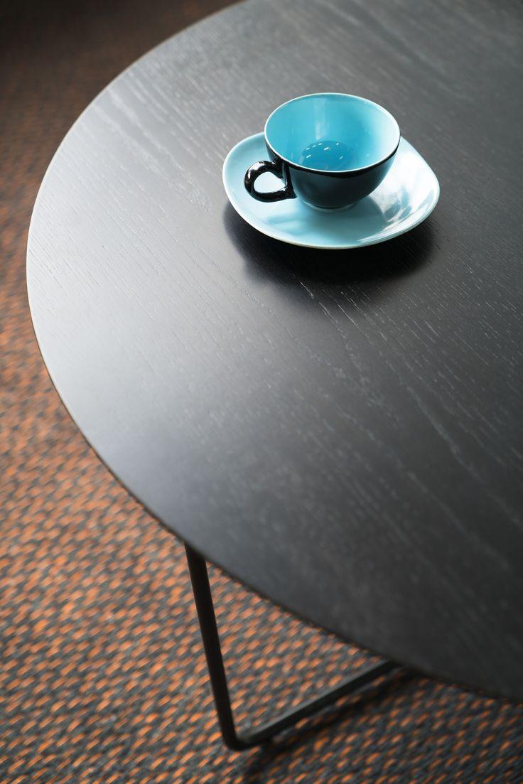 Kahvikupposen aika? ☕ | Time for a cup of coffee? ☕  Malli: Free sohvapöytä Vaihtoehdot: pyöreä ja ovaali, useita värivaihtoehtoja Jälleenmyyjä: Isku-myymälät  #pohjanmaan #pohjanmaankaluste #käsintehty