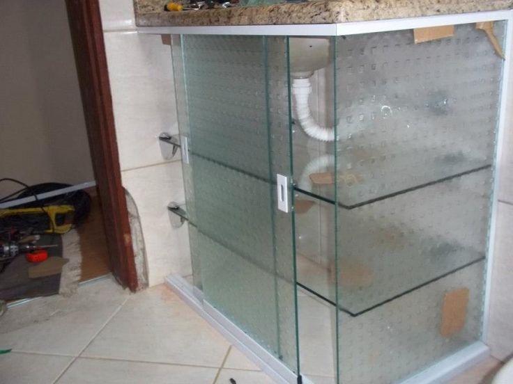Fechamento de pia em vidro colorido serigrafado | Sorovidros - Vidraçaria em Sorocaba - Vidraceiro em Sorocaba