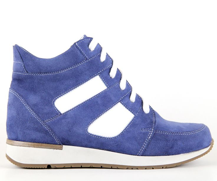 Blue girly sneakers - very comfortable!