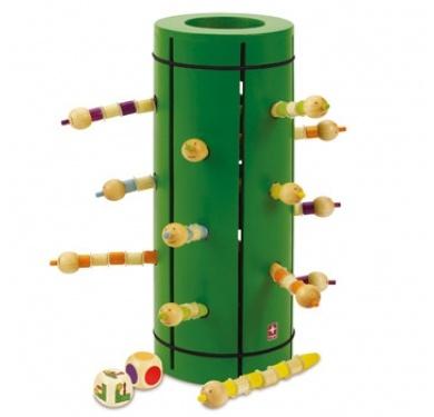 Oh nee! De bamboe zit vol met wormen! Voor ze de stengel helemaal opeten moeten ze uit hun holletjes worden gelokt, maar pas op! Als je pech hebt met dobbelen kruipen de wormpjes vliegensvlug terug naar binnen....  Wie de meeste wormpjes kan bemachtigen is de winnaar.