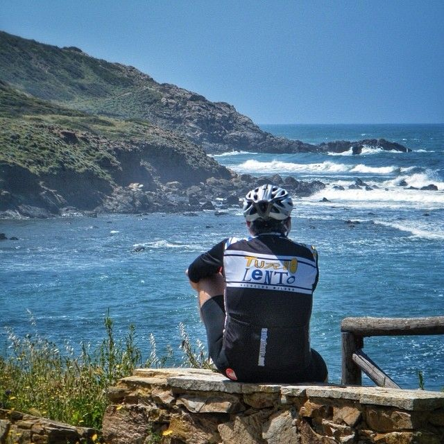 La primavera del cicloturista in #Sardegna. La magia della Costa Verde. #sardiniagrandtour  EN This is what spring looks like for bike travellers in #Sardinia and it's the magic of the Green Coast  #biketouring #travelbike #italy