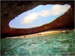 Visitar las playas subterráneas en el Río Secreto, cerca de Playa del Carmen