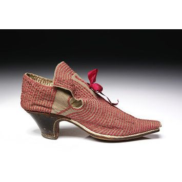 Leather and pigskin shoes, 1660-1680, England. l Victoria and Albert Museum