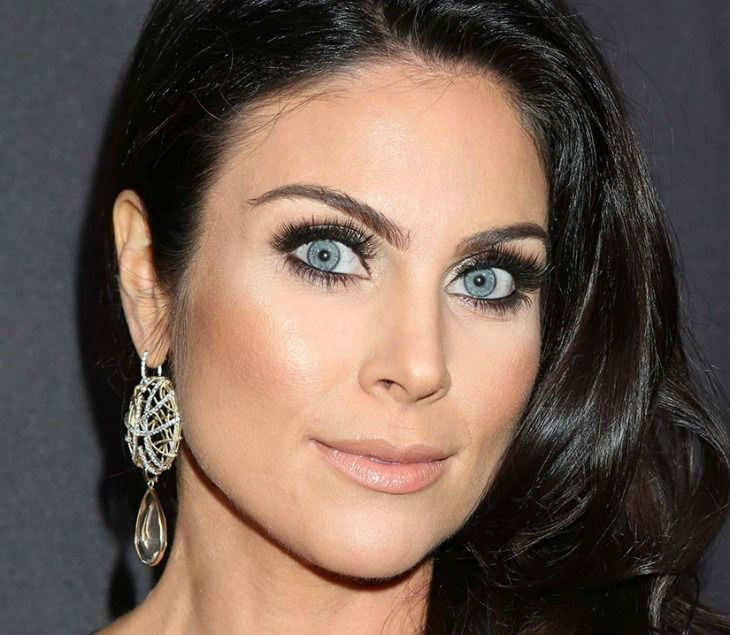 'Days of Our Lives' spoilers' tease that Chloe [Nadia Bjorlin] will realize that she's pregnant. Chloe will meet with Philip [John-Paul Lavoisier] to talk about her music career but she will have to open up to him about a little secret she is keeping as well – her pregnancy. Chloe really fears the