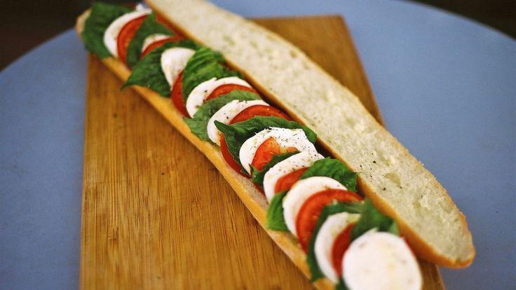 Cómo preparar un sándwich caprese
