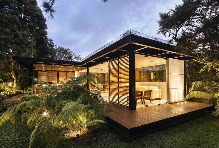 PLAY. Casa Asmus. Ciudad de guatemala. Estudio Arquitectura Interiorismo: Darcon. Fotografia :Juan Carlos Rojas #technical #TheOne2017 #downloads #lighting