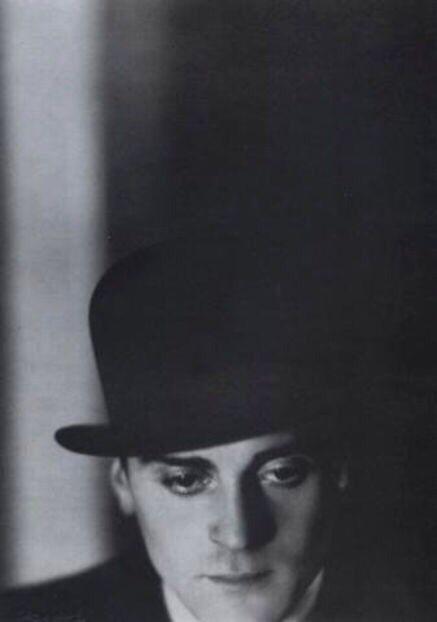 Franz Lederer, circa 1929, photographed by Lotte Jacobi.