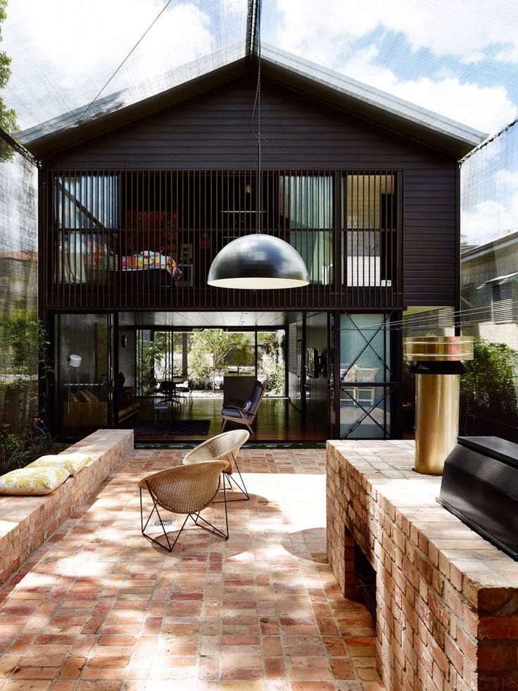 Oxlade Drive House, Brisbane, designed by James Russel Architect. Photo by Toby Scott.