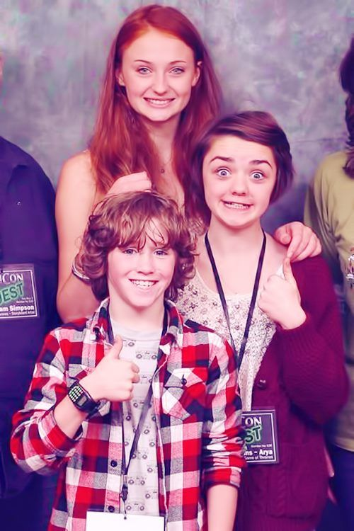 Aw, Sophie Turner, Maisie Williams and Art Parkinson (Sansa, Arya and Rickon Stark)