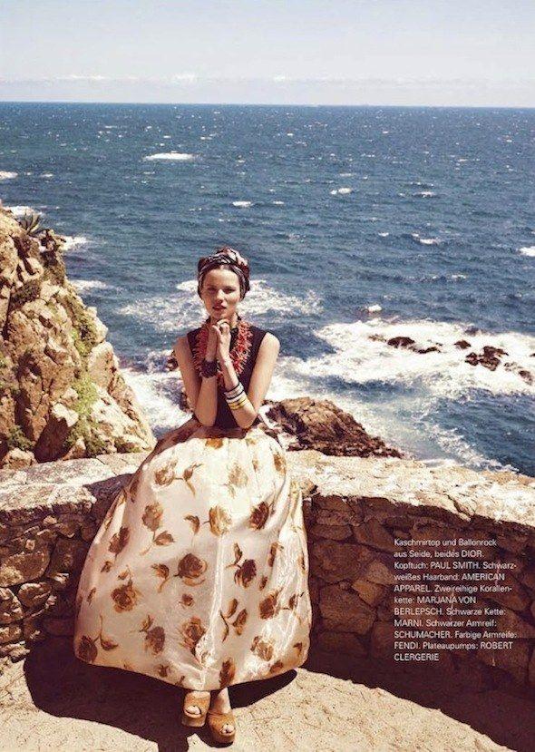 love long, elegant skirts with platforms or flat sandals~