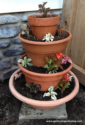 Easy and cheap DIY tiered planter!