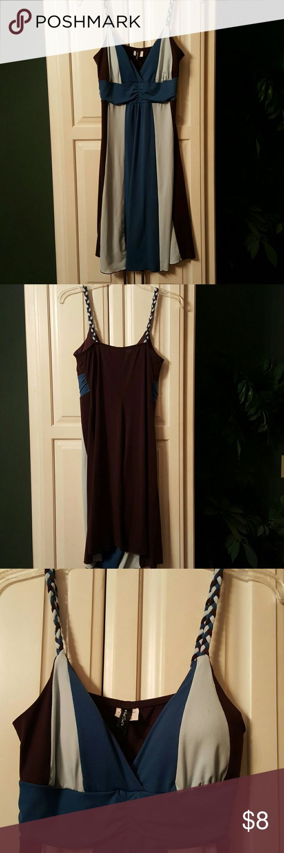 Two tone blue and brown maxi dress Two tone blue and brown maxi dress. Knee length, slight padding to the cups and braided straps. Very comfortable fabric,  worn once to a wedding. Size large, very stretchy fabric, fits more like a medium. HeartSoul Dresses Midi