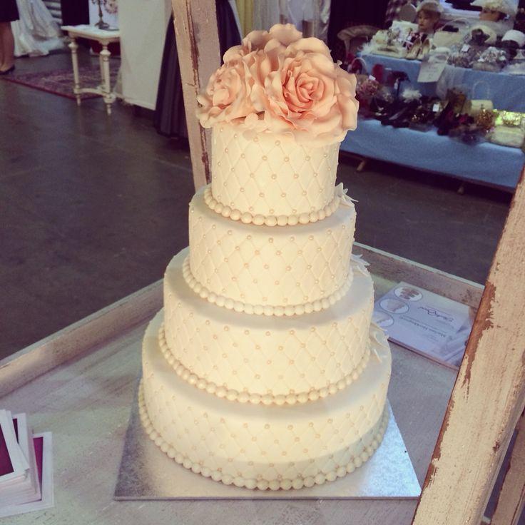 Save te date häämessuilla. #hääkakku #weddingcake