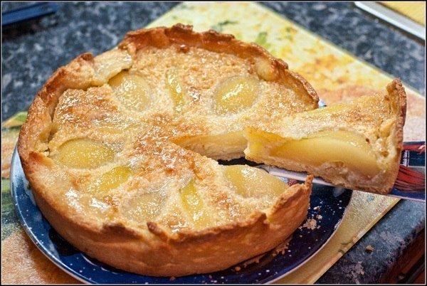 Как приготовить грушевый торт с миндальным кремом (французский грушевый торт) - рецепт, ингридиенты и фотографии