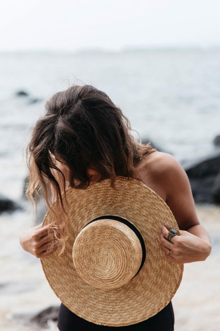 идеи для фото со шляпой море разного рода особенно