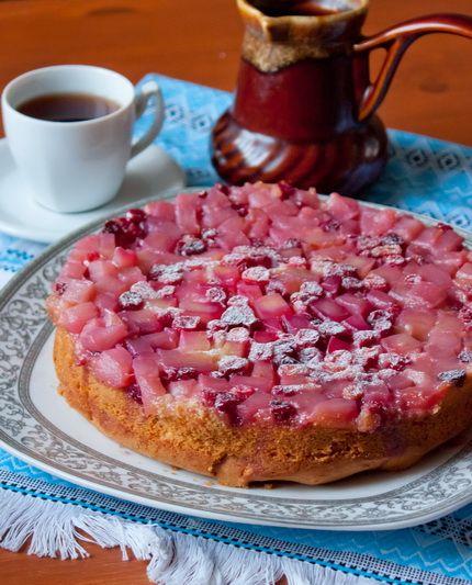 Пирог-перевертыш с клюквой и яблоками