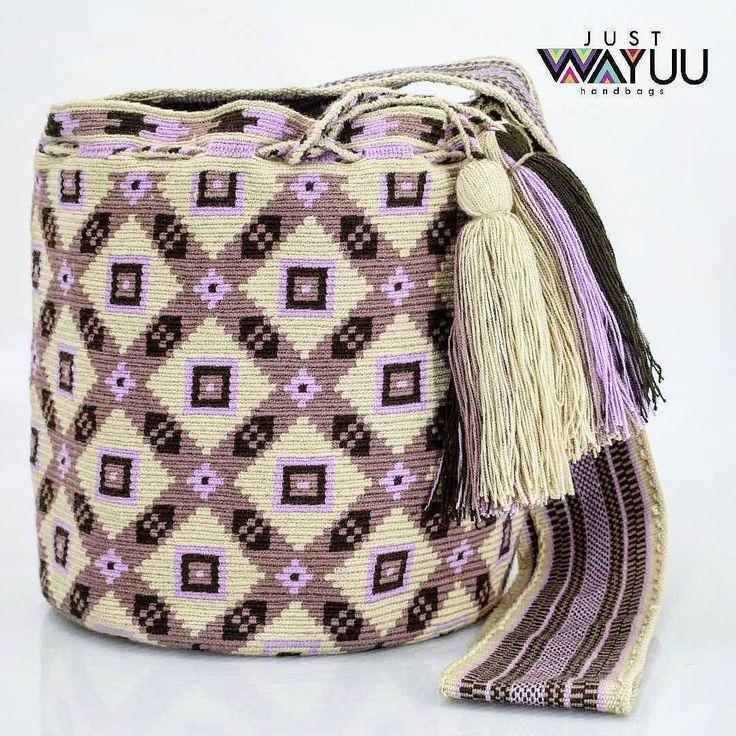 295 отметок «Нравится», 8 комментариев — Just Wayuu (@just.wayuu) в Instagram: «Handcrafted handbags made by indigenous wayuu in the north of Colombia. Worldwide shipping. PayPal…»