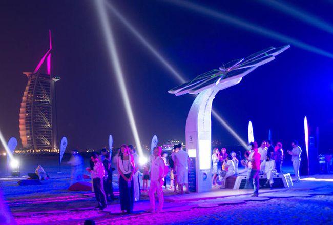 #Proyecto Smart Palma en #Dubai, consta de 103 palmeras artificiales que se recargan durante el día para abastecer de energía y red Wi-Fi en la noche. #Hogaressauce.
