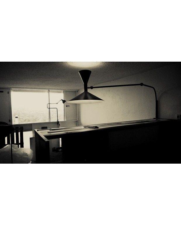 les 14 meilleures images du tableau lampe marseille le corbusier sur pinterest le corbusier. Black Bedroom Furniture Sets. Home Design Ideas