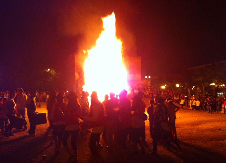 Sant Quirze del Vallès celebra la nit de Sant Joan amb una gran foguera #SQV