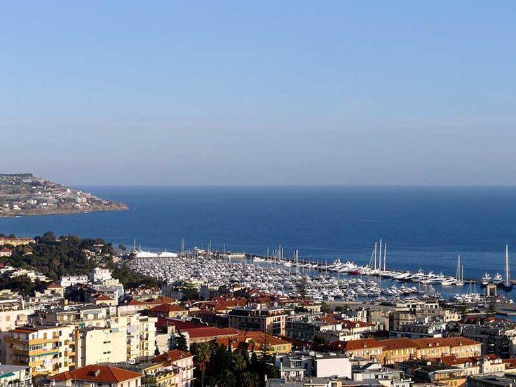 Sanremo - Veduta del porto dal Santuario della Madonna della Costa