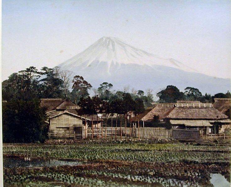 Фудзияма из фермерского дома в  Йошиваре