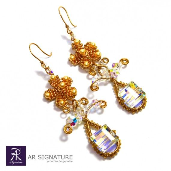 Floral design Earring by AR Signature.  This jewelry made with genuine Swarovski Crystal and Swarovski Pearls, combine with Gold plated wire from USA and AR Signature protective coating.