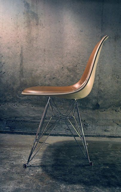 \\ eames leather-lined shell chair