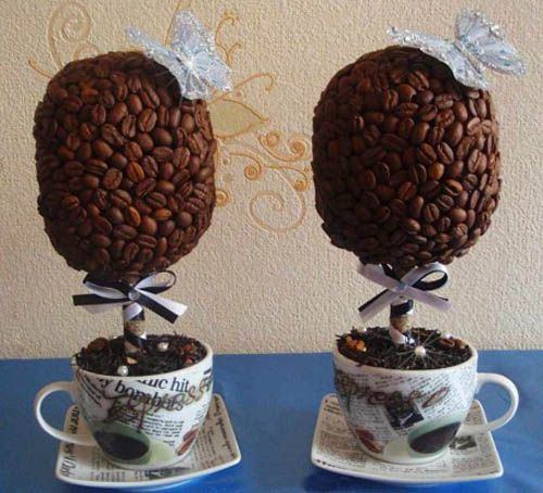 Coffee bean topiary...so cute, and let's talk about how fabulous this would smell!!! Must have in my kitchen.