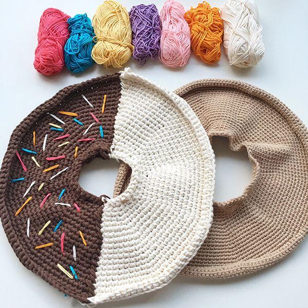 Giant crochet donut pattern - assebly - donut frosting sprinkles step 2