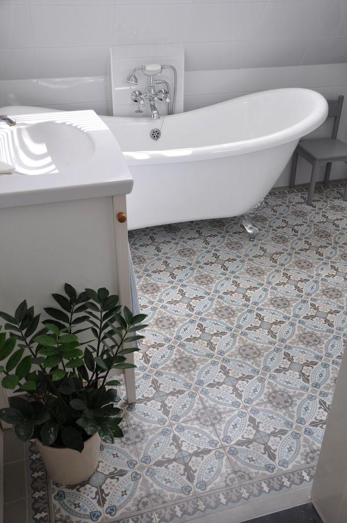Cementtegels uit portugal badkamer idee n uw badkamer wanden tegels - Deco toilet ideeen ...