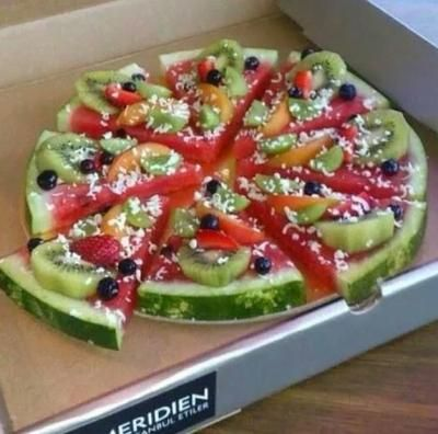 Früchtepizza für einen Kindergeburtstag
