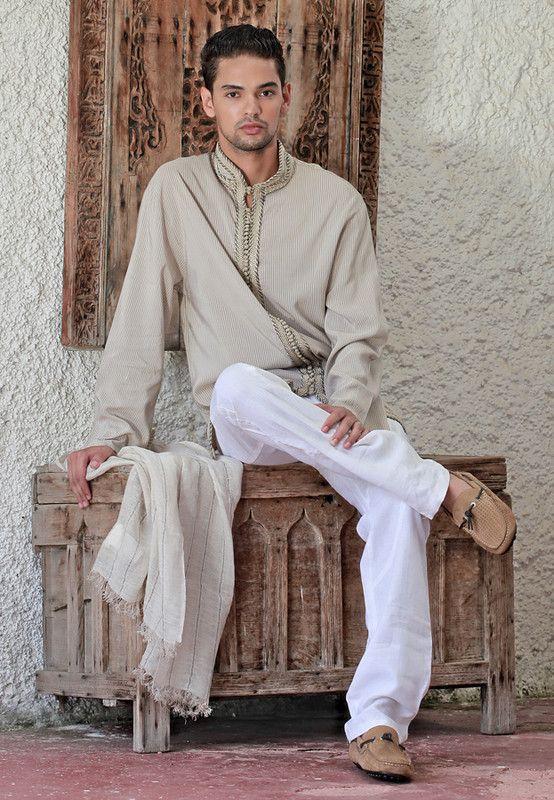Le magasin professionnel vous propose la vente de jabador homme marocain de haute couture en ligne. Ce style de jabador marocain a été mis en place par les experts couturiers expérimentés, ils ont sacrifié plusieurs nuits pour terminer ce jabador...Savoir plus
