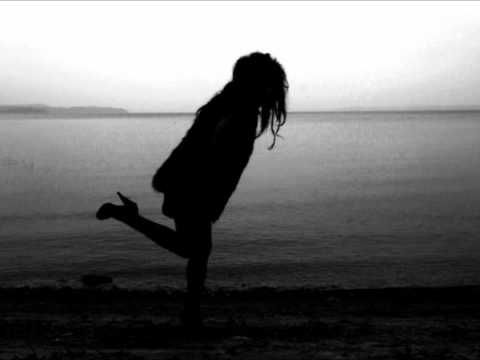 Zola Jesus - Avalanche - YouTube