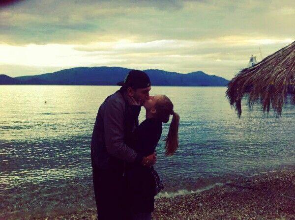 Kiss me where the sky touches the sea ♥