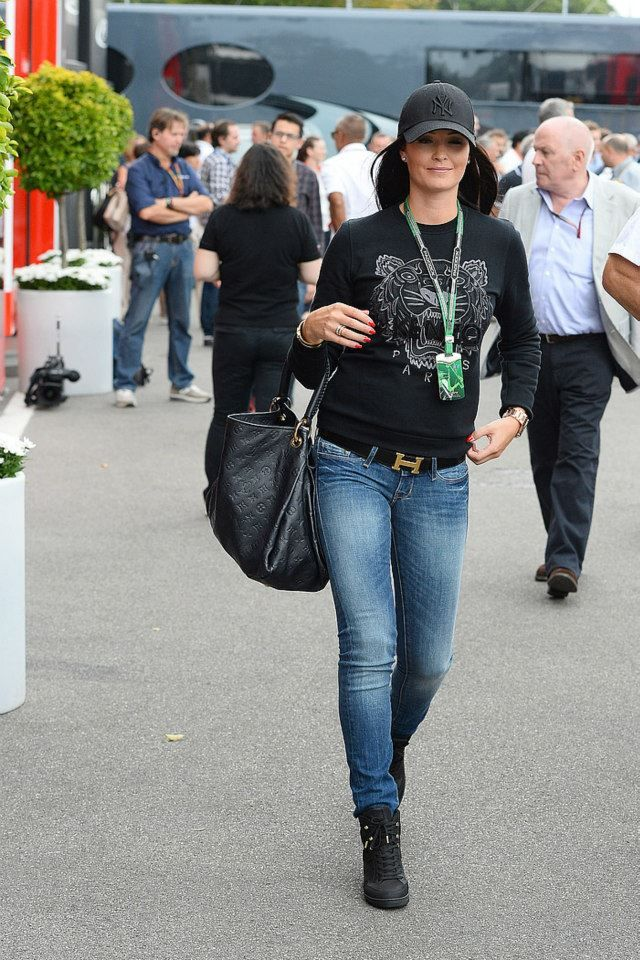 Minttu Virtanen in her Kenzo sweater, Zara jeans and her Louis Vuitton wedge sneakers. Loving this outfit.