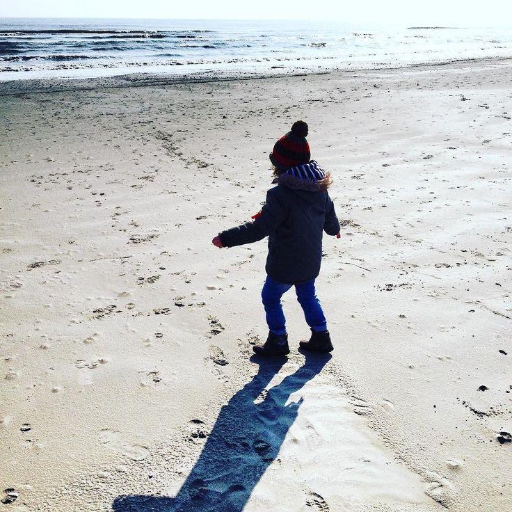 Winter sun! - #sea #seaside #sand #shell #sunnyday #sun #weekends #weekendvibes #weekend #weekendfun #thehappynow #thatsdarling #pursuehappy #pursuepretty #family #winter #wintersun #wintersunshine #saturday #saturdaysocial #saturdays