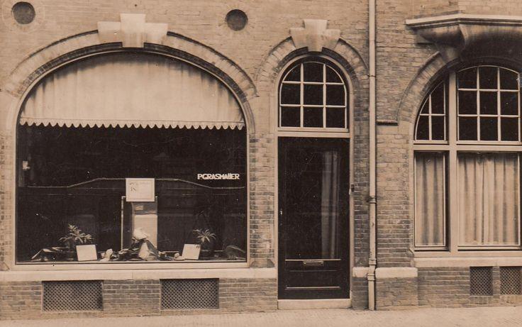 P. Grasmaijer - Schoenmakerij- lederhandel - Voetiusstraat 3