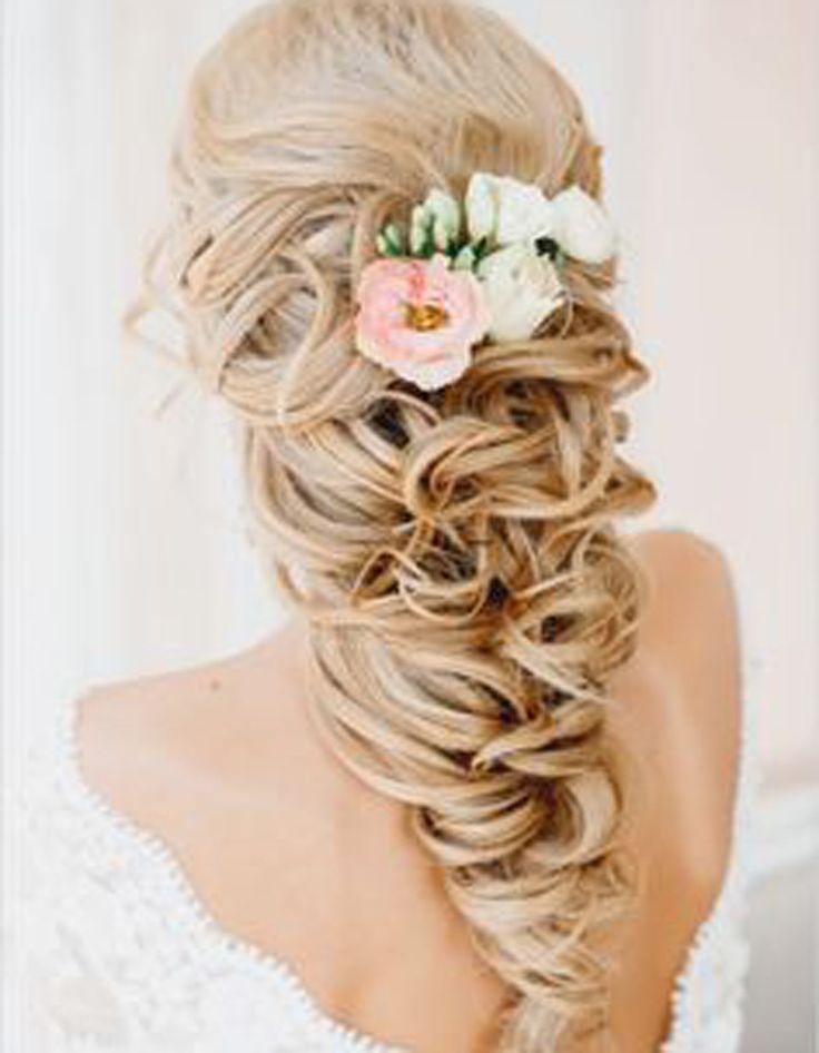 Coiffure mariée avec postiche - Les plus jolies coiffures de mariée pour s'inspirer - Elle