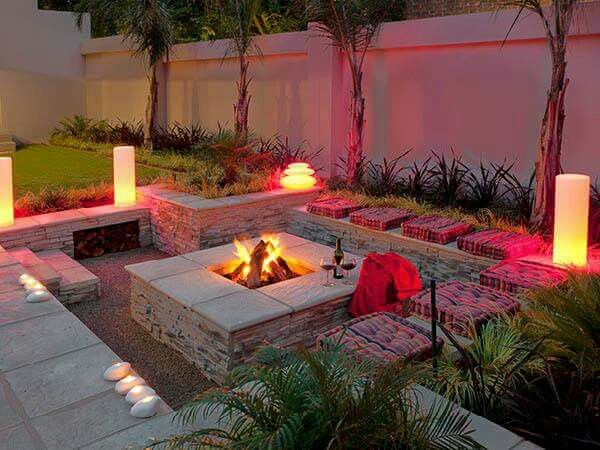 Fire Pit For Small Backyard : Outdoor lounge, Lounges and Fireplaces on Pinterest