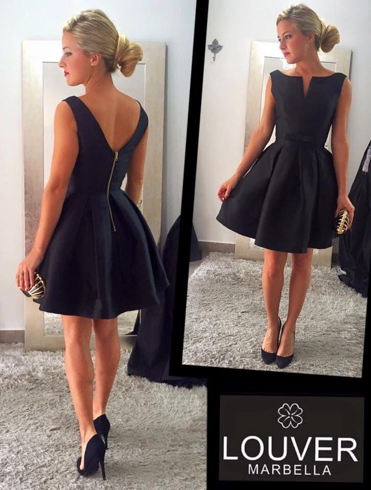 Precioso vestido de estilo Lady confeccionado en mikado. También disponible en azul Klein .