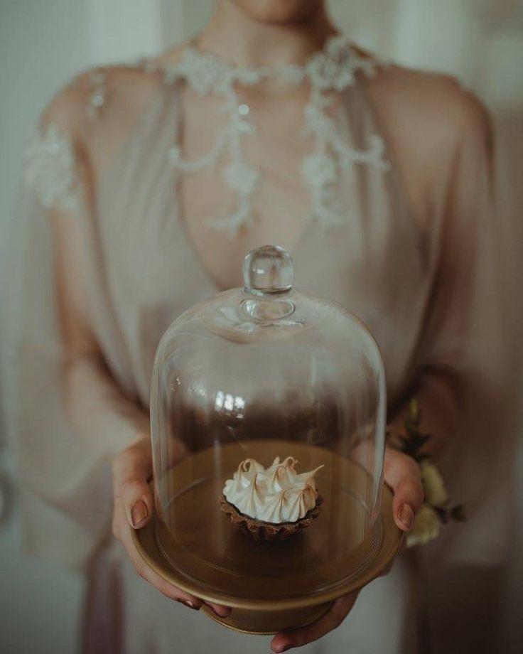 """43 kedvelés, 4 hozzászólás – Fanni Bisztriczky (@bfanni) Instagram-hozzászólása: """"#tb YLKA wedding memories inspirational styled shoot in colors of latte & rose gold…"""""""