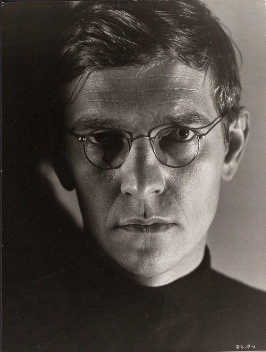 Tom Courtenay - Pasha Antipov - 'Strelnikov' - Dr Zhivago / David Lean