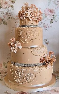 "queenbee1924:  (via ""Let them eat cake"" / Wedding Cake)"