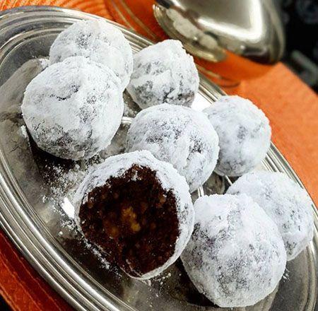 Bu unsuz yağsız kurabiye, kahve yanına çok yakışacak bir ikramlık. Kahve severler bence bu kurabiyeye bayılacaksınız.