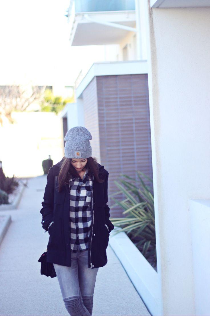 Bonnet Carhartt à retrouver ici : http://www.def-shop.fr/carhartt-scott-watch-beanie-dark-grey-heather-white.html?smm=fr.pinterest.post
