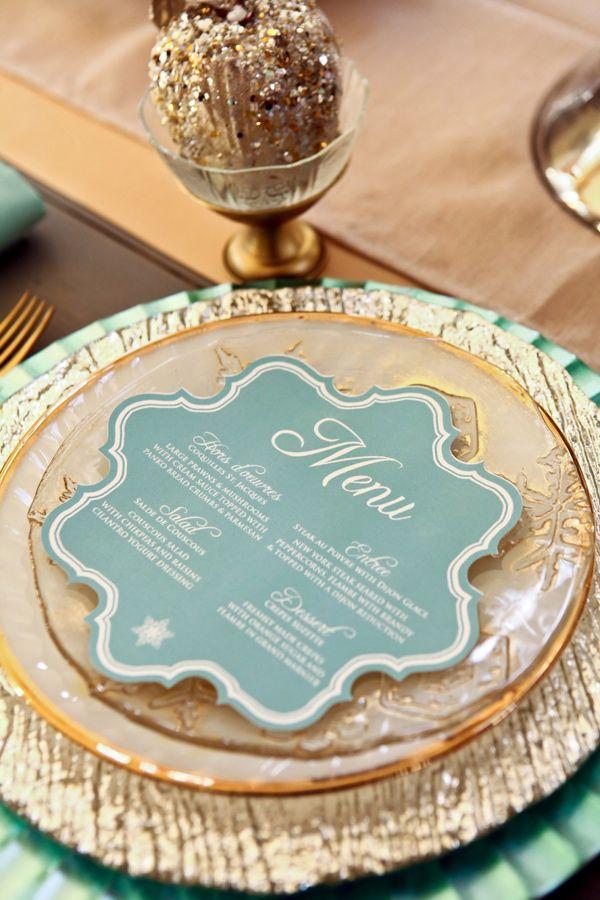 ミントxゴールドの組み合わせはクリスマスっぽいイメージ♡ 冬の結婚式のメニュー表アイデア。