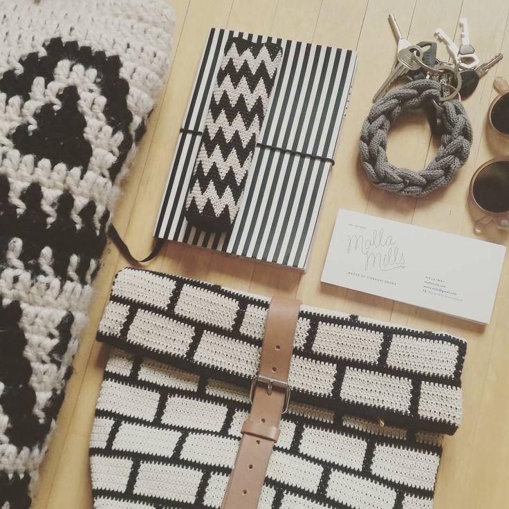 Sunday patterns in black & white. #mollamills #mollamillscrochetterie #virkkuri