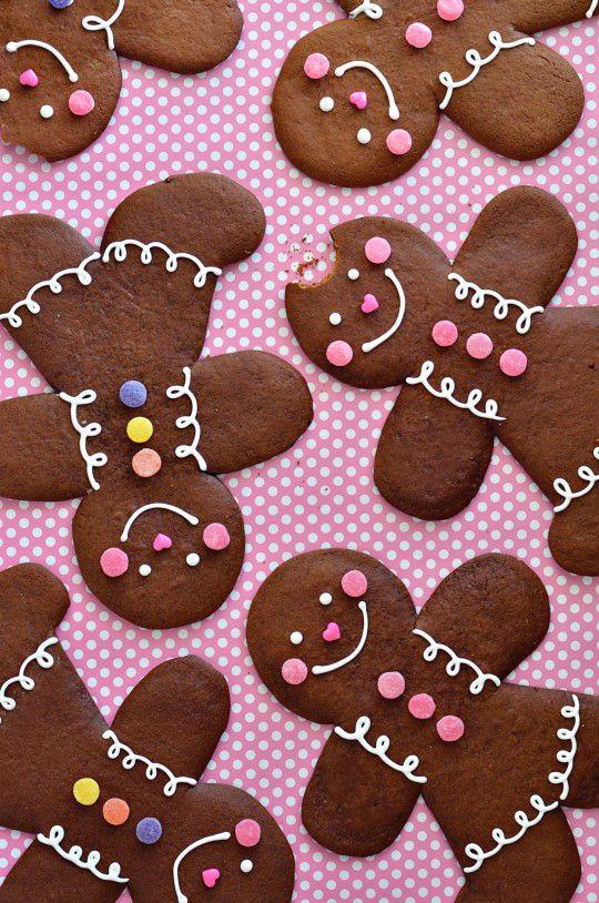 Bonhommes en biscuit décoré de boules en sucre