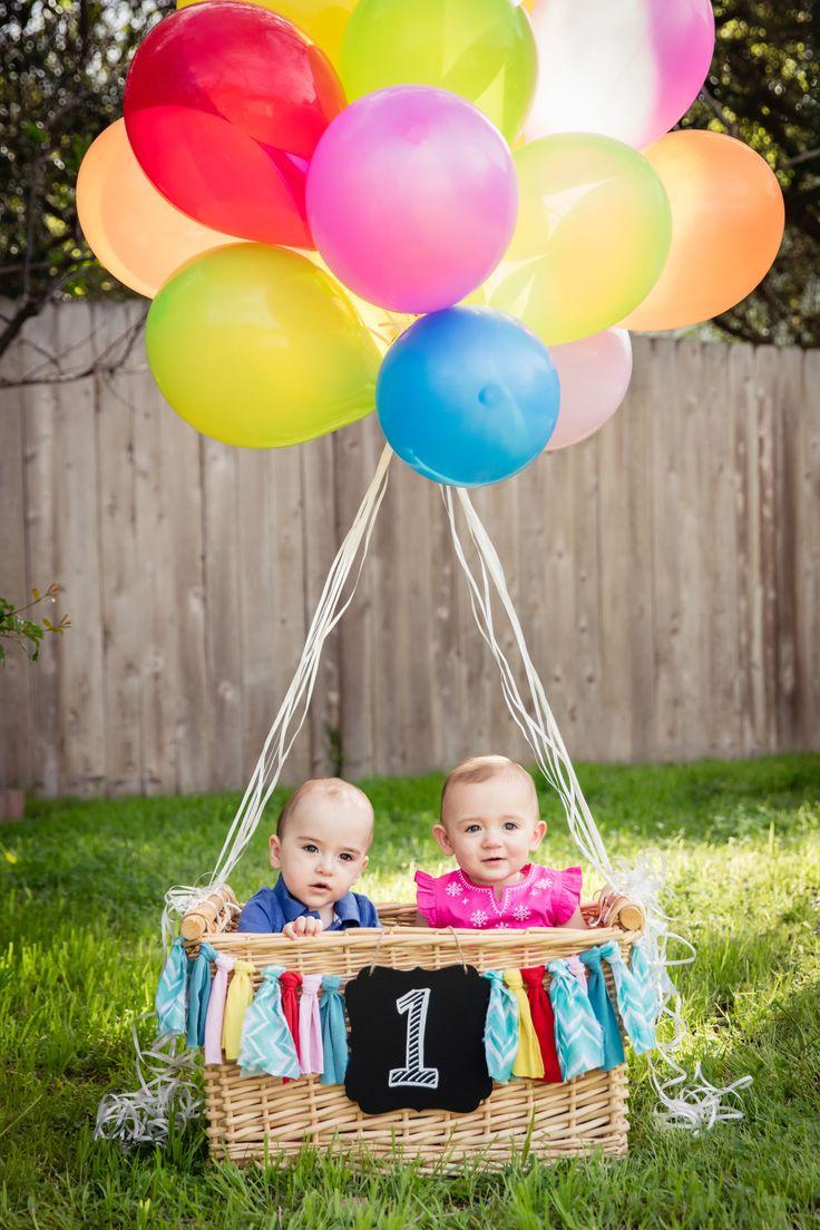 Twins 1st birthday!  Hot air balloon.  ♥                                                                                                                                                     Más
